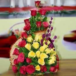 Red&yellow roses basket