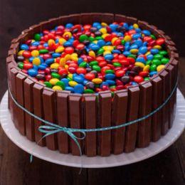 Kitkat & Gems_Cake